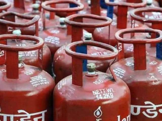 Video : LPG Rates Hiked By Rs 15. Here's How Much You Will Pay For A Cylinder