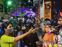 Durga Puja: Roads Crowded As Bengal Soaks In Festive Spirit On 'Mahasaptami'