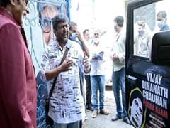Die-Hard Amitabh Bachchan Fan Paints His Mahindra Thar With Actor's Dialogues, Leaves Anand Mahindra Impressed