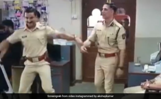 Akshay And Ranveer Just Can't Stop Dancing To This Track. See Viral Video
