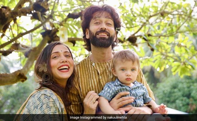 """अनीता हसनंदानी, दृष्टि धामी, नीति मोहन और अन्य नकुल मेहता और जानकी पारेख के बेबी सोन पर """"क्रश"""" कर रहे हैं"""