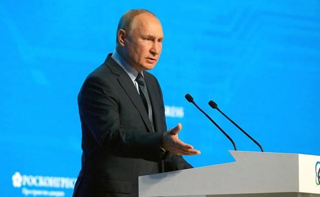 राष्ट्रपति व्लादिमीर पुतिन ने कहा, उनके उत्तराधिकारी की बात रूस को 'अस्थिर' करती है