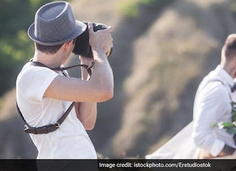 Served No Food At Wedding, 'Hangry' Photographer Deletes Couple's Pics