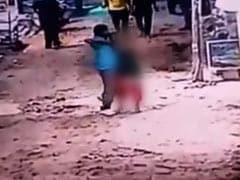 On CCTV, Man Slits Woman's Throat Outside Shop In Delhi