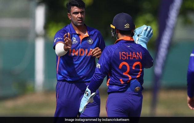 IND vs PAK: Manjrekar Picks Chakaravarthy Over Ashwin In His Playing XI