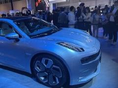 सिंगल चार्ज में 700 KM चलने वाली चाइनीज Zeekr 001 इलेक्ट्रिक कार देगी अमेरिकी Tesla कार को टक्कर