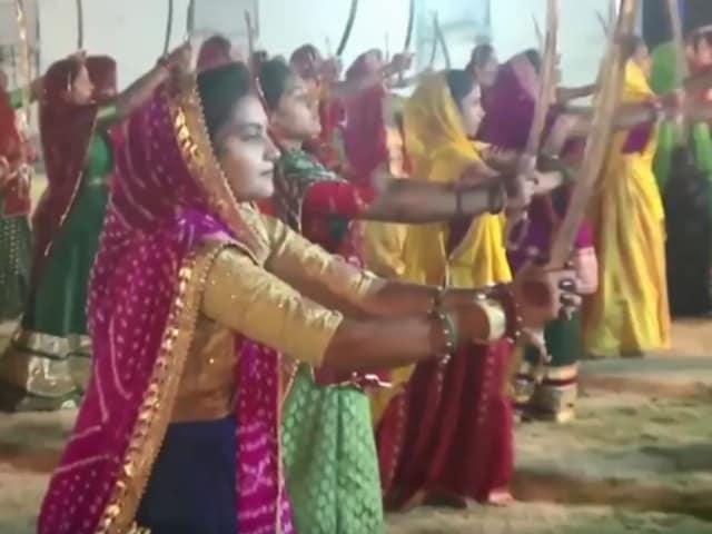 Video : Gujarat Rajput Women Display Sword Skills At Event