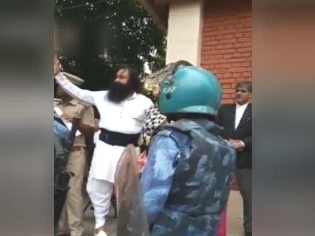 Video : Dera Chief Gurmeet Ram Rahim, 4 Others Get Life In Jail In Murder Case