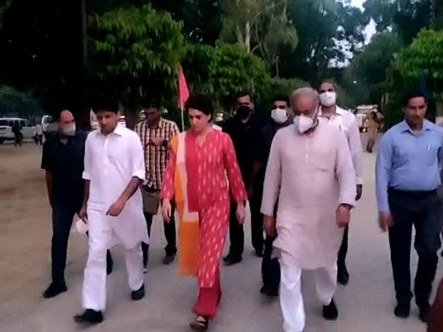 Video : Top News Of The Day: Priyanka Gandhi, Released After 3 Days, Leaves For Lakhimpur To Meet Farmers