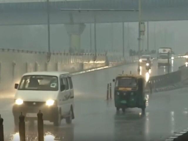 Video : Rain Lashes Delhi, Adjoining Areas