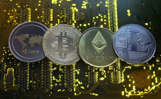Bitcoin surpasses Facebook in market capitalization: key points