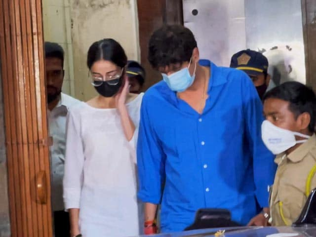Video : Ananya Panday Leaves Anti-Drug Agency Office After 2 Hours Of Questioning