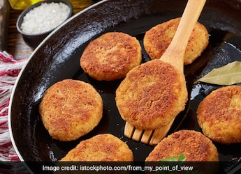 Pizza Cutlet: This Yummy, Cheesy Snack Is Ideal For Weekend Indulgence
