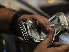 Rupee Gains To 75.26 Against Dollar Amid Heavy Buying In Domestic Equities