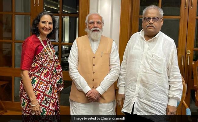 PM Modi Meets 'One And Only' Stock Market Investor Rakesh Jhunjhunwala