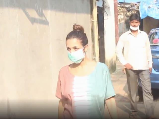 Video : Sneak Peek Into Malaika Arora, Aditi Rao Hydari And Sanjana Sanghi's Lives