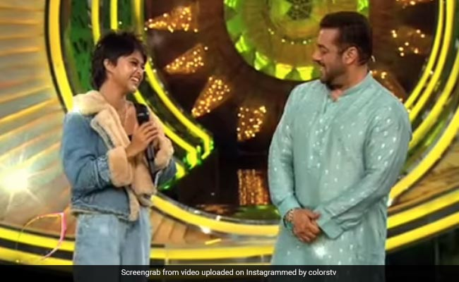 When Salman Khan Tried Singing Manike Maghe Hithe With Yohani