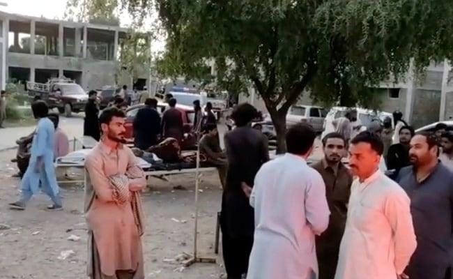 தெற்கு பாகிஸ்தானில் நிலநடுக்கம் ஏற்பட்டதால் 20 பேர் கொல்லப்பட்டனர், நூற்றுக்கணக்கானோர் காயமடைந்தனர்