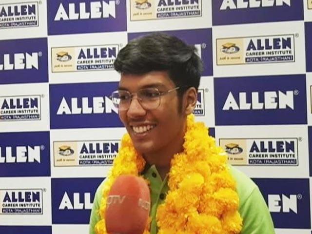 Video : Jaipur Boy Mridul Agarwal Tops JEE Advanced 2021