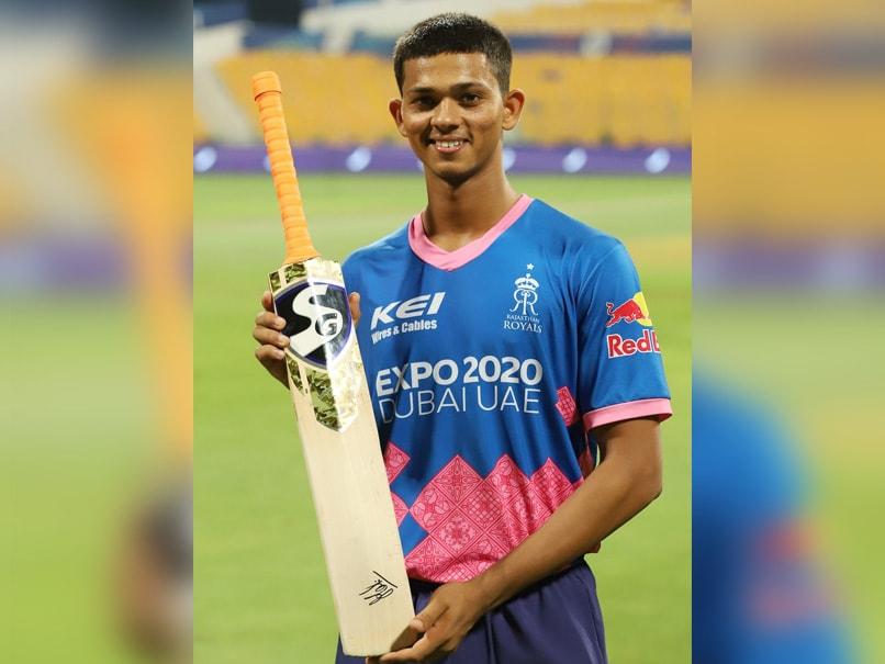 आईपीएल 2021: यशस्वी जायसवाल अपने बल्ले पर सीएसके कप्तान एमएस धोनी के हस्ताक्षर पाने के लिए रोमांचित हैं
