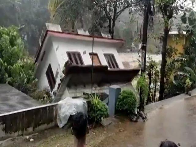 Video : Video: House Swept Away As Kerala Witnesses Heavy Rain
