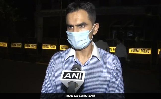 आर्यन खान केस: जासूसी का आरोप लगाने वाले अधिकारी के लिए सशस्त्र गार्ड