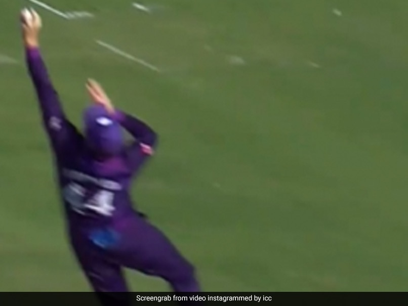"""Watch: Richie Berringtons One-Handed """"Masterclass"""" Catch For Scotland In T20 World Cup"""