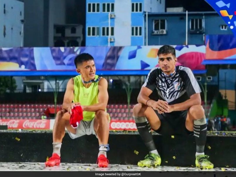 """""""Some Winning Moments"""" India Goalkeeper Gurpreet Singh Sandhu Shares Picture With Sunil Chhetri After SAFF Championship Triumph"""