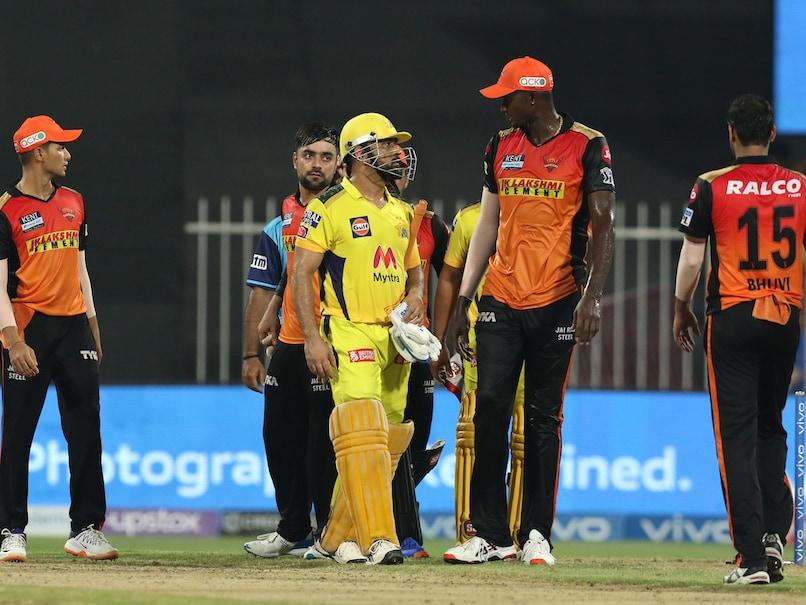 IPL 2021 पॉइंट टेबल अपडेट: SRH पर बड़ी जीत के साथ CSK क्रूज़ प्लेऑफ़ में