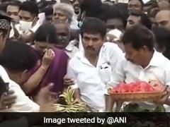 Teary-Eyed VK Sasikala, Who Quit Public Life, At Jayalalithaa Memorial