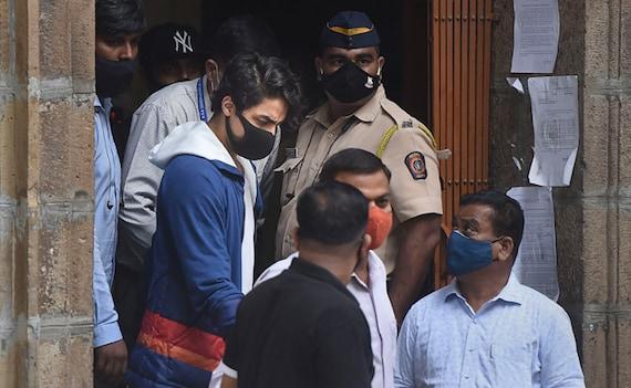 आर्यन खान को जमानत के लिए अभी करना होगा इंतजार, कल भी जारी रहेगी सुनवाई
