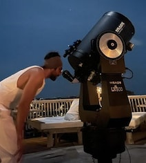 Actor Saw 'Jupiter's Four Moons, Saturn Rings' Through A Telescope In Maldives