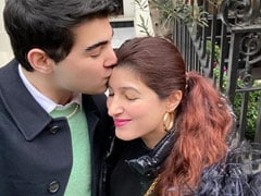 """For Twinkle Khanna, """"Sunday Morning Is Truly Special"""" In London. Because, Son Aarav"""