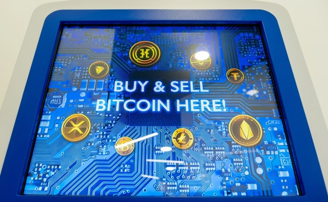 What Decoupling Of Bitcoin And Stocks Means For Crypto