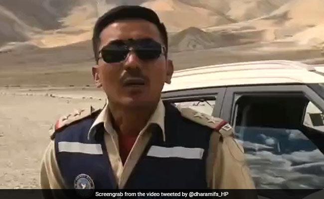 """Ladakh Police ने पर्यटकों से की अपील, कहा- """"लद्दाख बहुत सुंदर है, कृप्या इसे गंदा ना करें"""""""