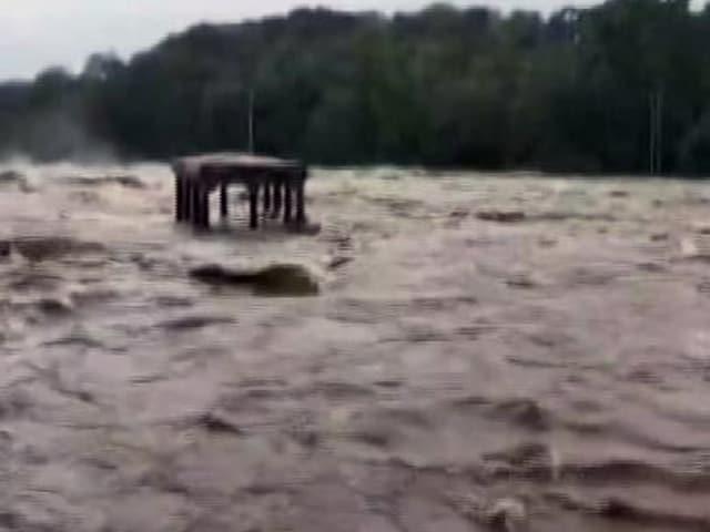 Video : Heavy Rain Lashes Parts Of Kanyakumari In Tamil Nadu