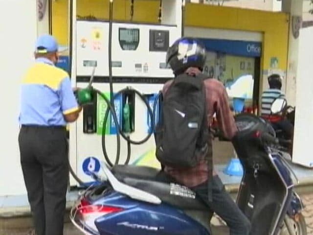 """Video : Centre In """"Discussion"""" With Finance Ministry To Cut Fuel Prices: Sources"""