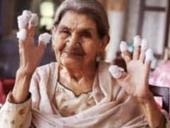 Ayushmann Khurrana Pays Tribute To <i>Gulabo Sitabo</i> Co-Star  Farrukh Jaffar