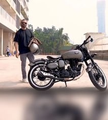 A Look At Suniel Shetty's Customised Royal Enfield Bike