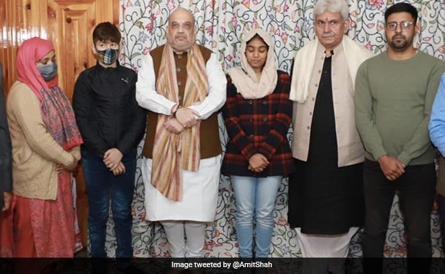 Amit Shah Meets Family Of J&K Police Officer Killed By Terrorists