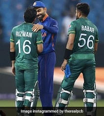Kohli, Dhoni Interact With Pak Players After Defeat, Win Hearts. See Pics