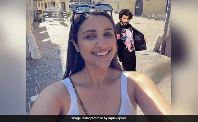 Birthday Girl Parineeti Chopra Is Going Places And She's Not Alone. See Arjun Kapoor's ROFL Photoshop