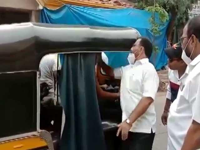 Video : Watch: Sena Men Slap Autorickshaw Driver During Bandh In Maharashtra