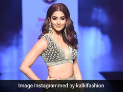 Pooja Hegde's Festive <i>Lehenga</i> Deserves Every Inch Of Your Attention