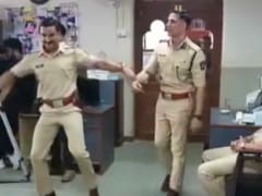 Akshay Kumar And Ranveer Singh Just Can't Stop Dancing To This Track. See Viral Video