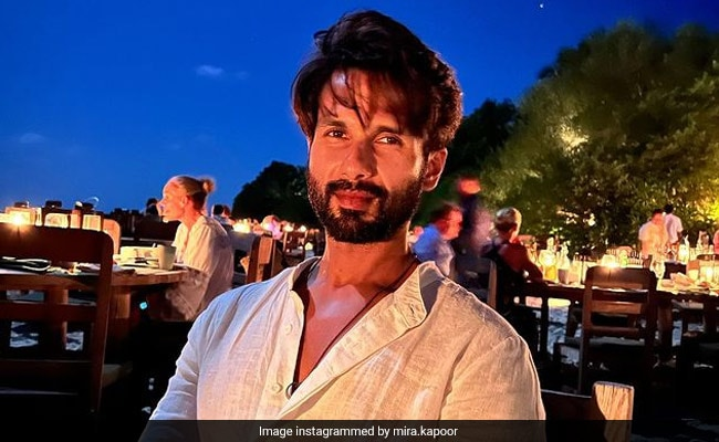 """""""Full Moon With The Love Of My Life"""": Inside Mira Rajput's Date Night With Shahid Kapoor In Maldives"""