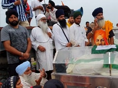 In Glass Cases At Protest Site, The Bodies Of 4 Farmers Run Over