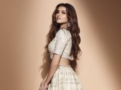 For Tara Sutaria, A Minimal Chic White Anita Dongre <i>Lehenga</i> Is Always Right And We Agree