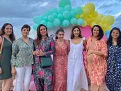 "More Pics Of Kareena Kapoor And Soha Ali Khan's ""Tribe"" From Little Inaaya's Birthday Party"