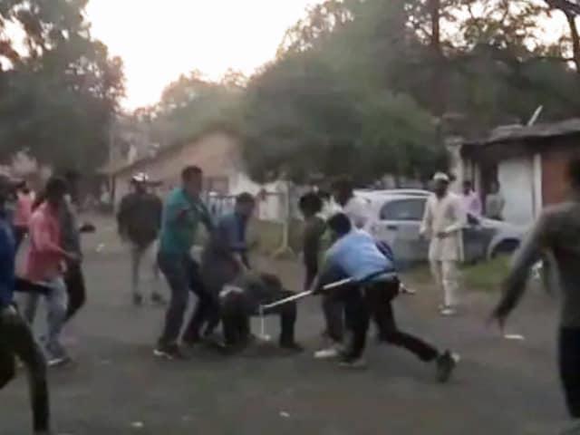 "Video : ""We're Looking For Bobby Deol"": Bajrang Dal Attacks Prakash Jha's Set"